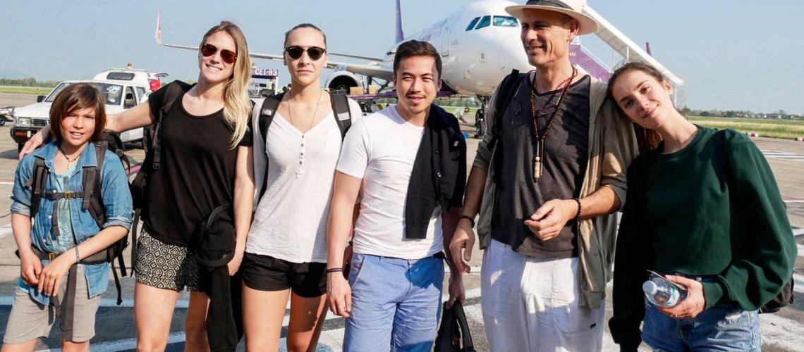 oopp-observatoire-osteopathie-pediatrie-provence-humanitaire-thailande-friends-bangkok-arrivee-aeroport